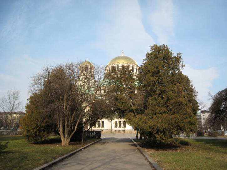 Approaching Alexander Nevski Cathedral